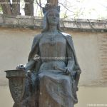 Foto Escultura a la Reina Isabel la Católica 4