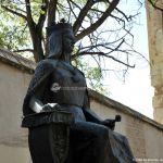 Foto Escultura a la Reina Isabel la Católica 6