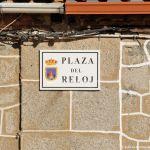 Foto Plaza del Reloj de Navas del Rey 1