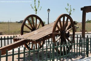 Foto Antigua maquinaria agrícola de Navas del Rey 3