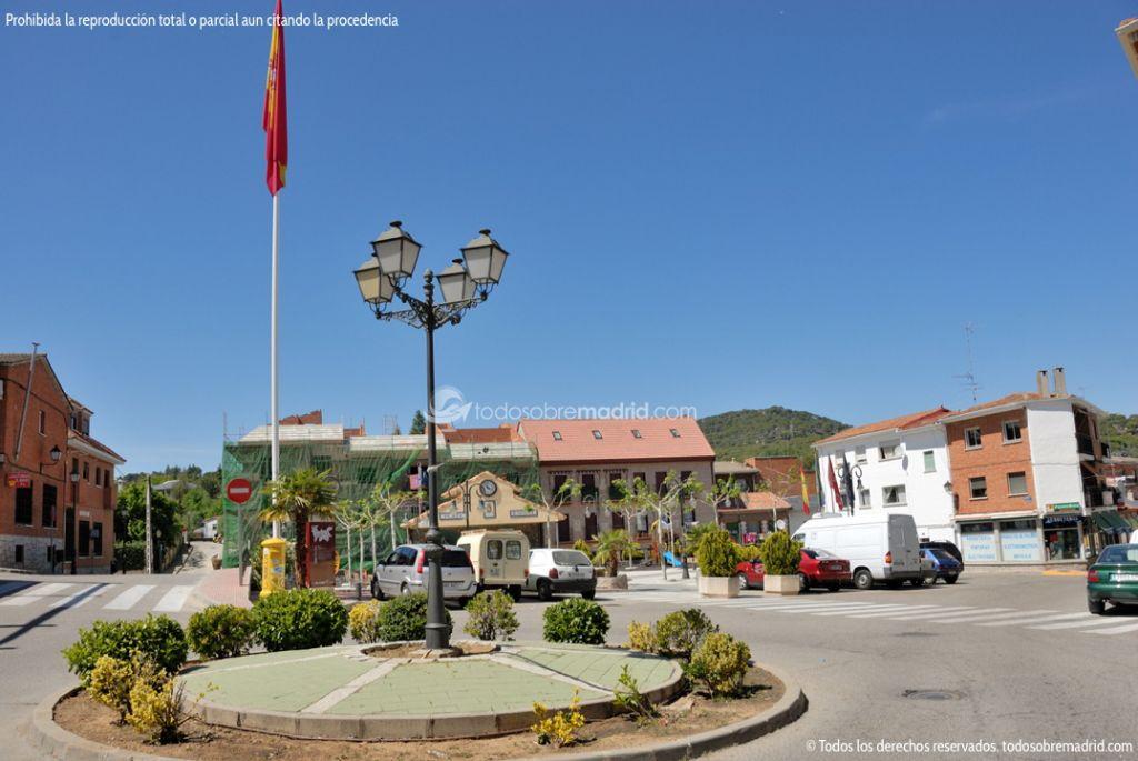 Foto Plaza de España de Pelayos de la Presa 1