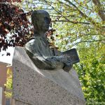 Foto Escultura Padre Faustino Míguez 6
