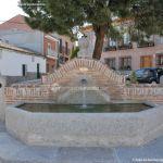 Foto Fuente Plaza de la Cruz del Buen Camino 4