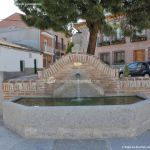 Foto Fuente Plaza de la Cruz del Buen Camino 7