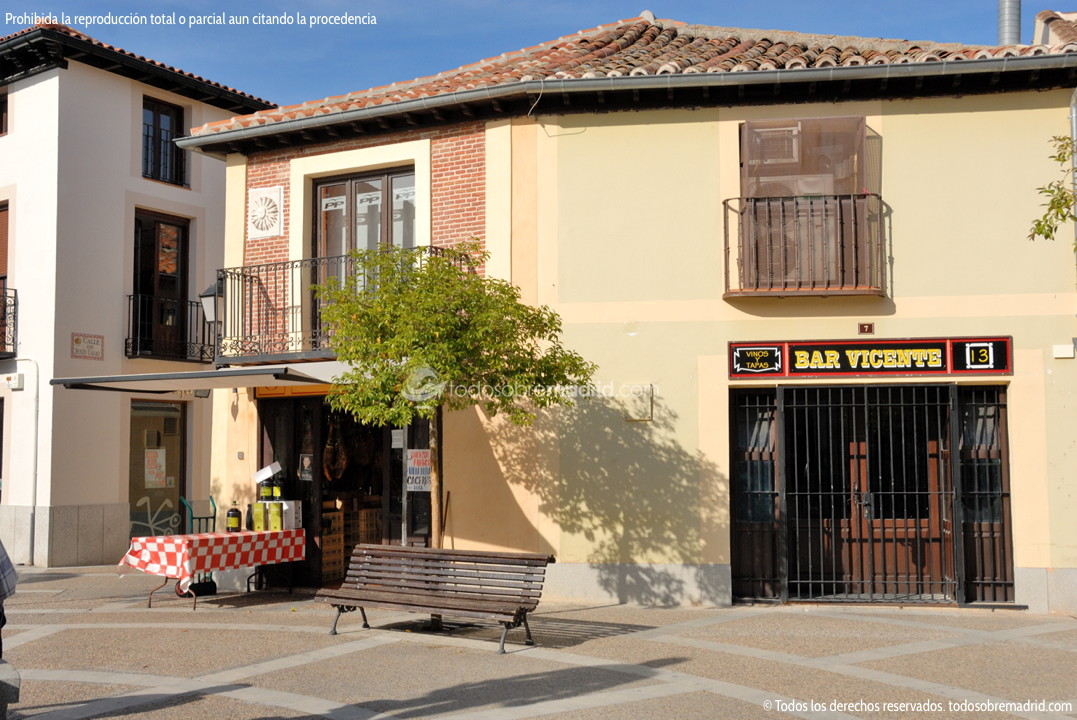 Foto plaza de la puerta del sol de navalcarnero 4 for Plaza puerta del sol