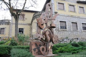 Foto Escultura en Villarejo de Salvanes 9