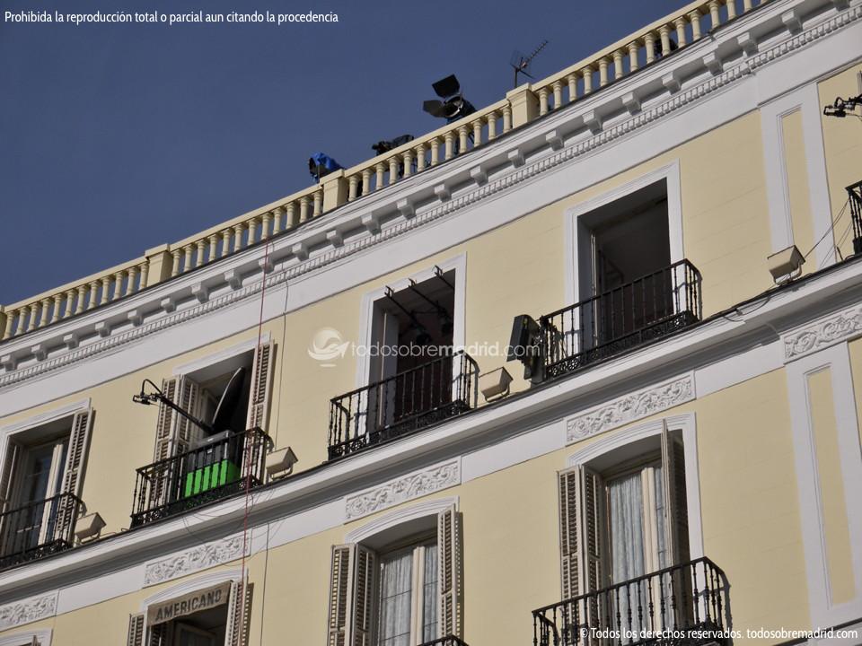 Foto preparativos fin de a o en la puerta del sol 1 for Puerta de sol en directo