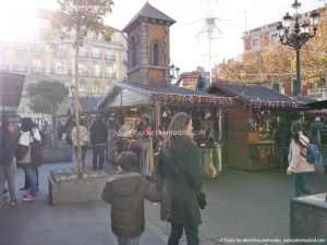 Foto Mercadillo Navideño en Plaza de Jacinto Benavente 2