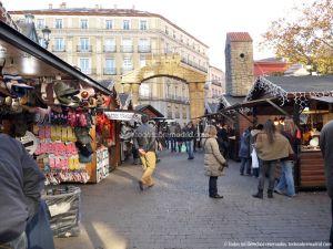 Foto Mercadillo Navideño en Plaza de Jacinto Benavente 7